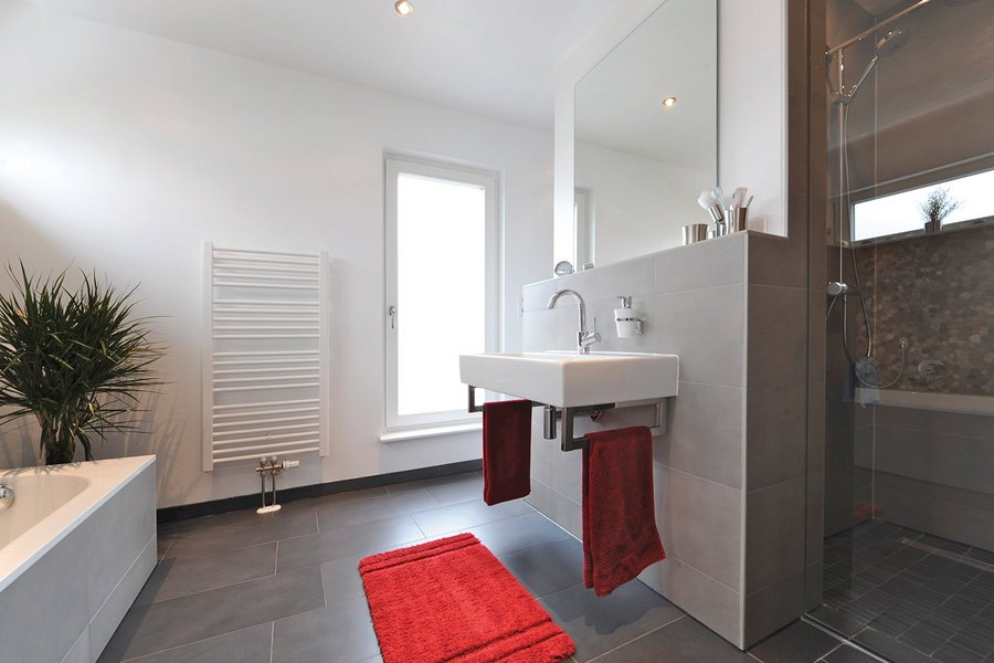 Badezimmer in einem Haus für Familien